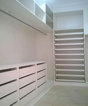 Closet com Prateleiras Planejado